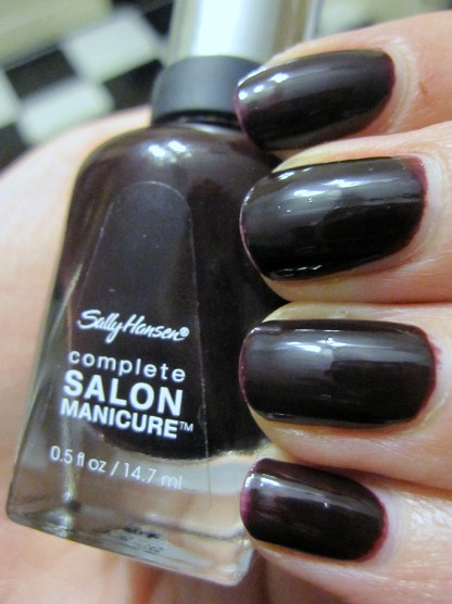 Beauty Review: Sally Hansen Complete Salon Manicure in Pat On The Black
