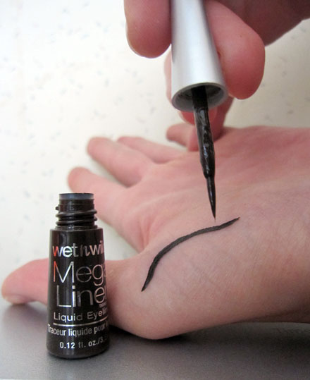 Beauty Review: Wet n Wild Mega Liner Liquid Eyeliner