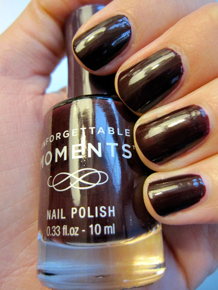 Unforgettable Moments Nail Lacquer in Sugar Plum Review