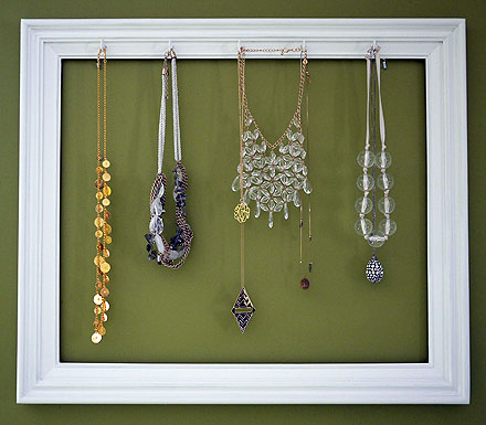 Supereasy DIY Picture Frame Necklace Holder The Budget Babe