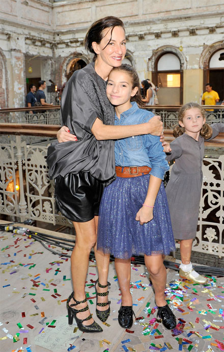 bd125b446 ... showcased her Spring 2013 collection in New York City accompanied by  her daughter, Kit Rowley, who was decked out in a chambray shirt and tulle  skirt ...