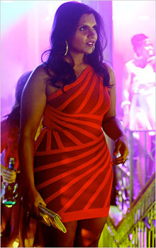 I M Dying For A Less Expensive Version Of The Dress Mindy Kaling Wore On Last Episode Her Show Project Season 1 3