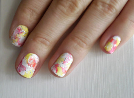 Easy water color nails using the plastic wrap bag method