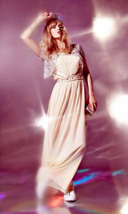 FOREVER 21 Debuts Holiday 2013 Collection with Suki Waterhouse