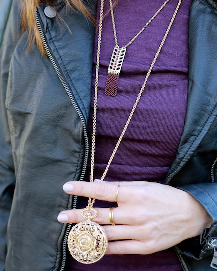 Forever 21 gold pendant necklace