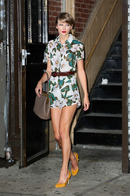 Tayor Swift's tropical floral print romper