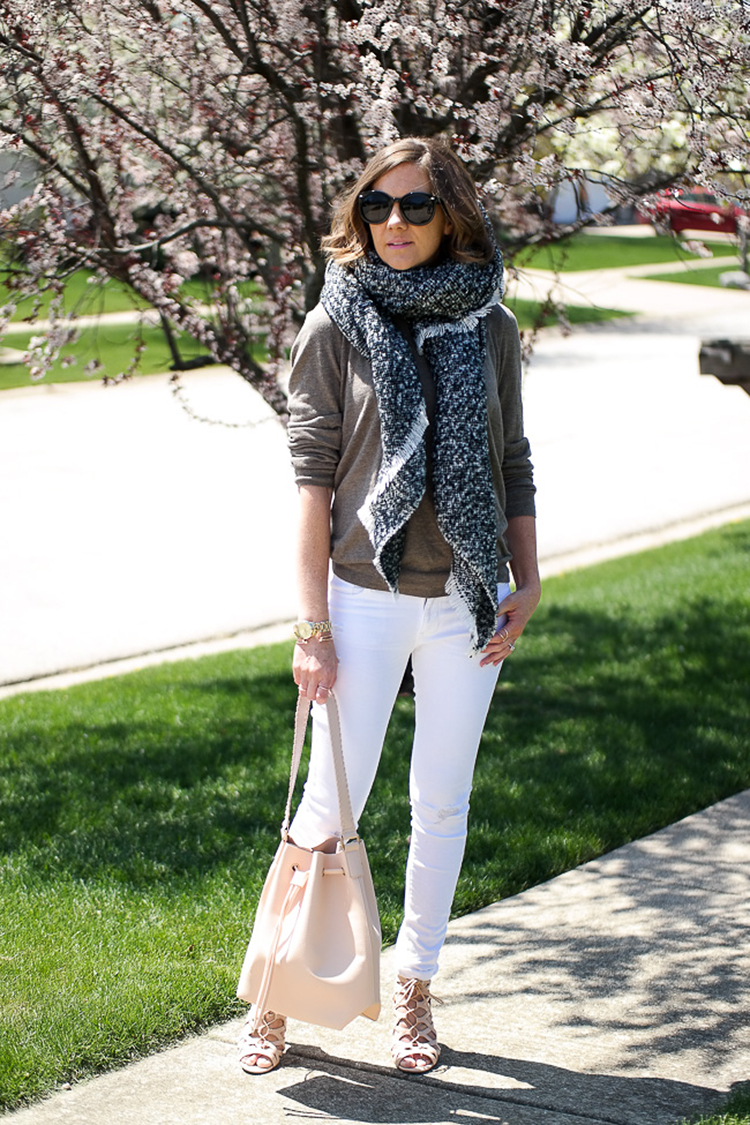 Heidi's white jeans and nude heels casual look