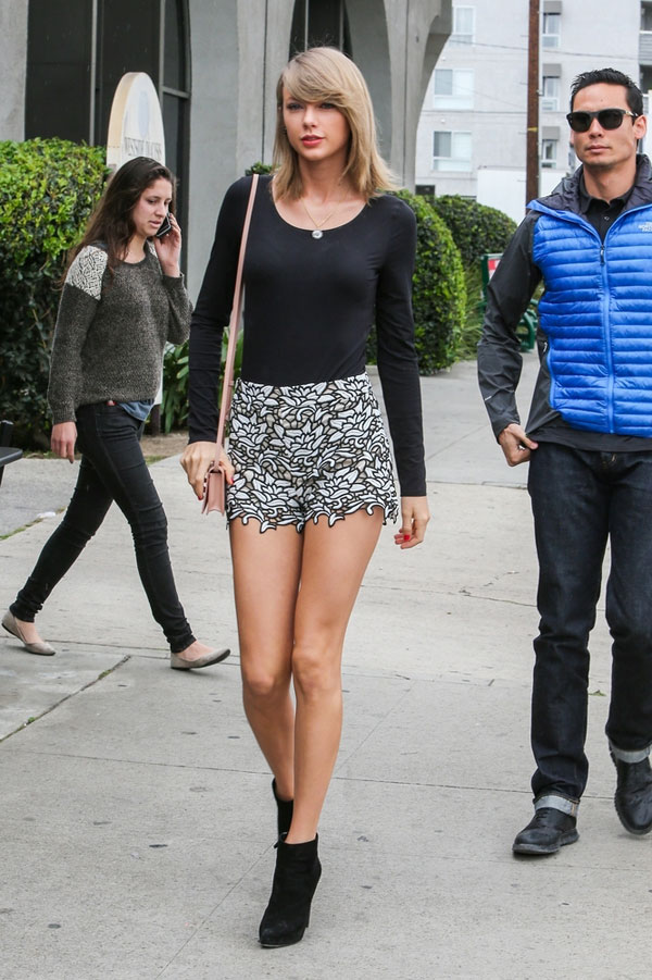 Taylor Swift in Alice & Olivia lace shorts