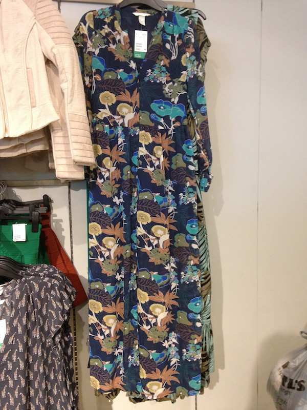 In-store photos at H&M of the best summer fashions