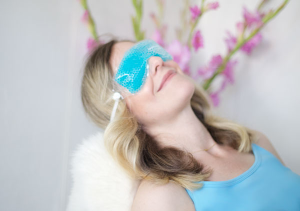 Bausch + Lomb THERA PEARL Eye Mask Review on thebudgetbabe.com