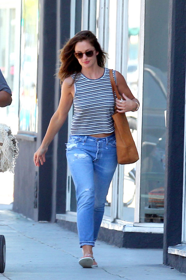 Minka Kelly's casual summer style in a striped tank, boyfriend jeans and flip-flops