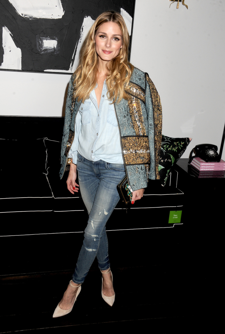 f4253ccc22 oliviapalermodenimandchambraylook. Looking for another way to style your favorite  chambray shirt
