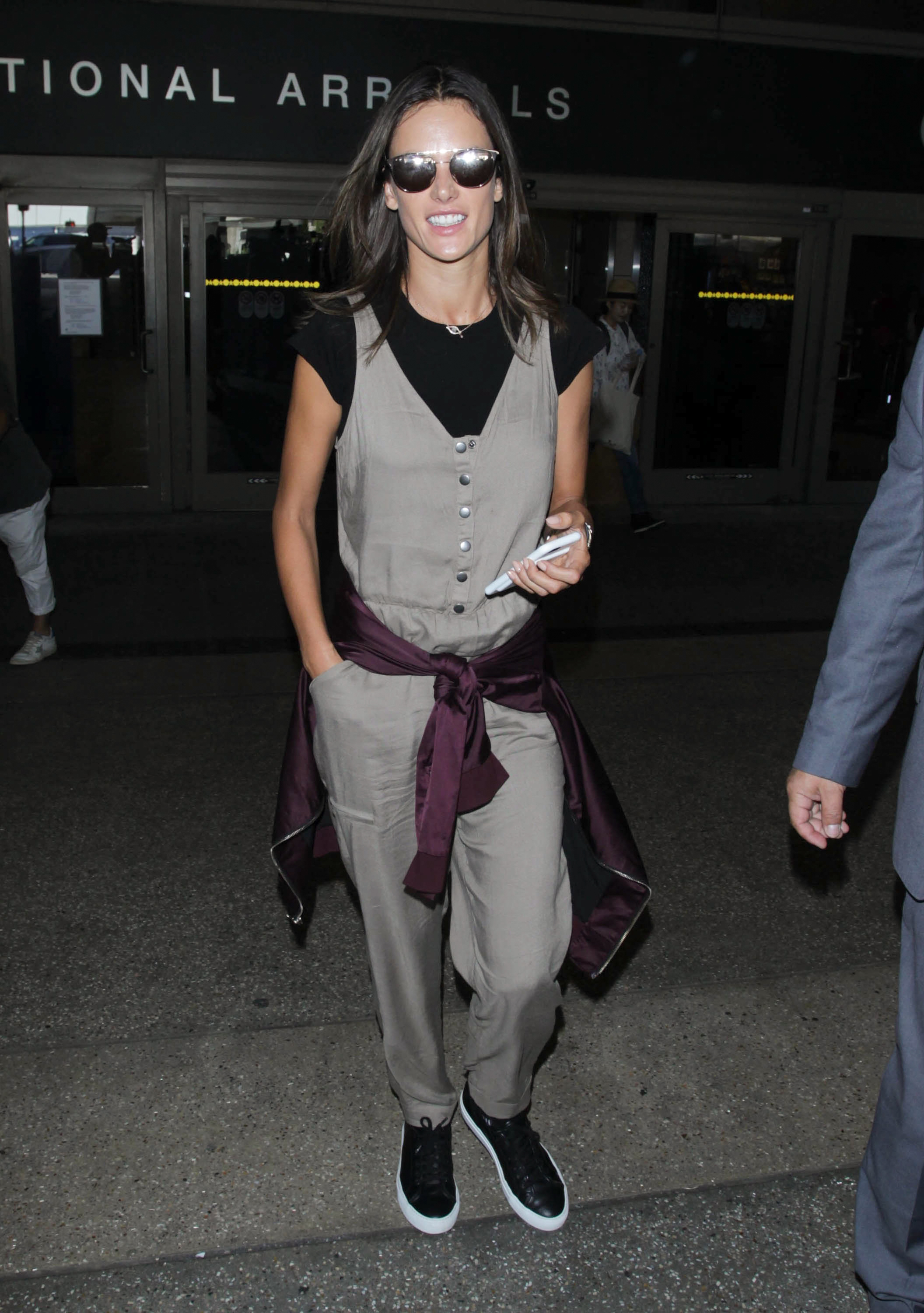 1fae6000bc3 Alessandra Ambrosio Look for Less