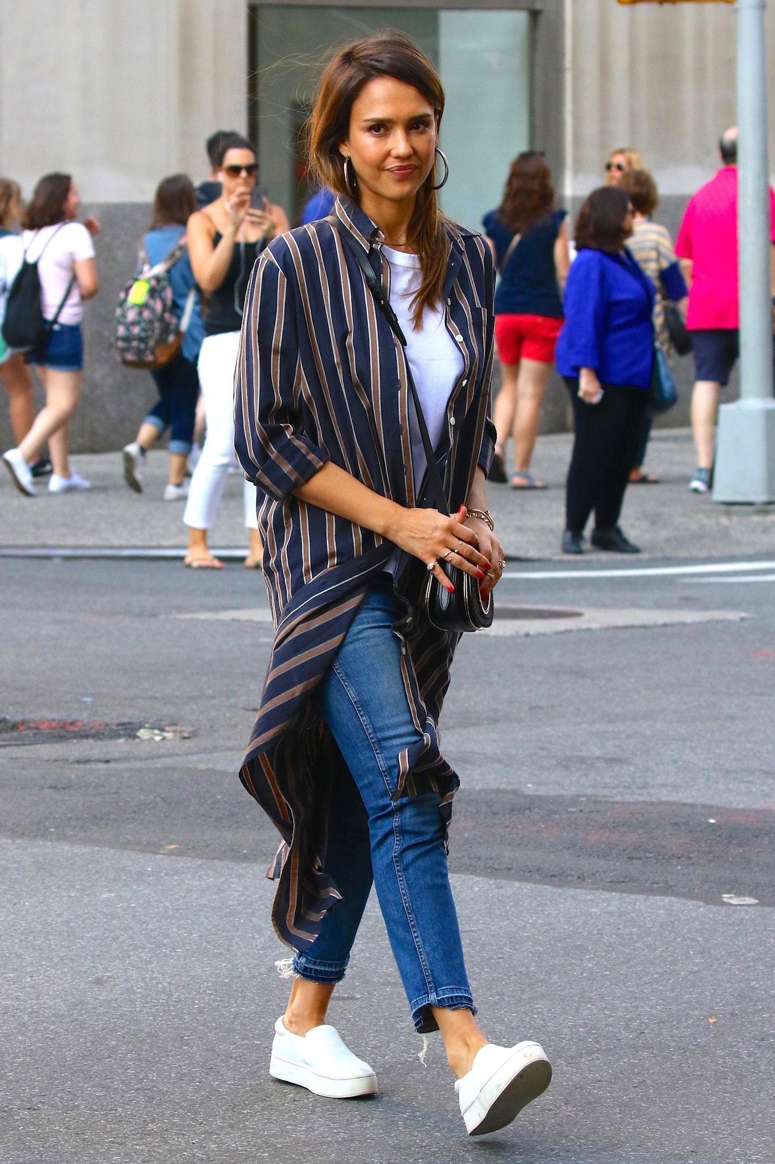 Jessica Alba Wears a D... Jessica Biel Instagram