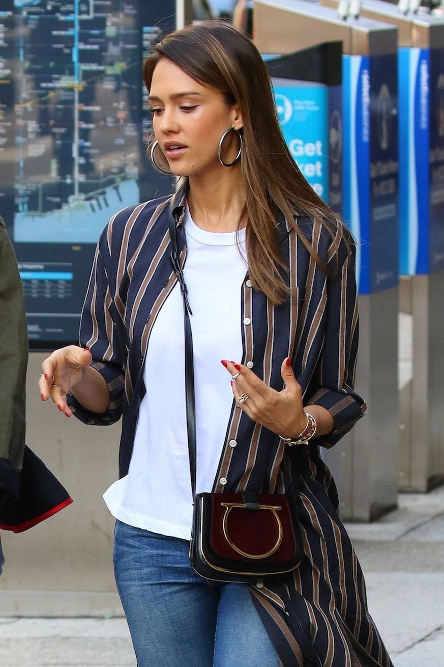 Jessica Alba's striped duster and crossbody bag