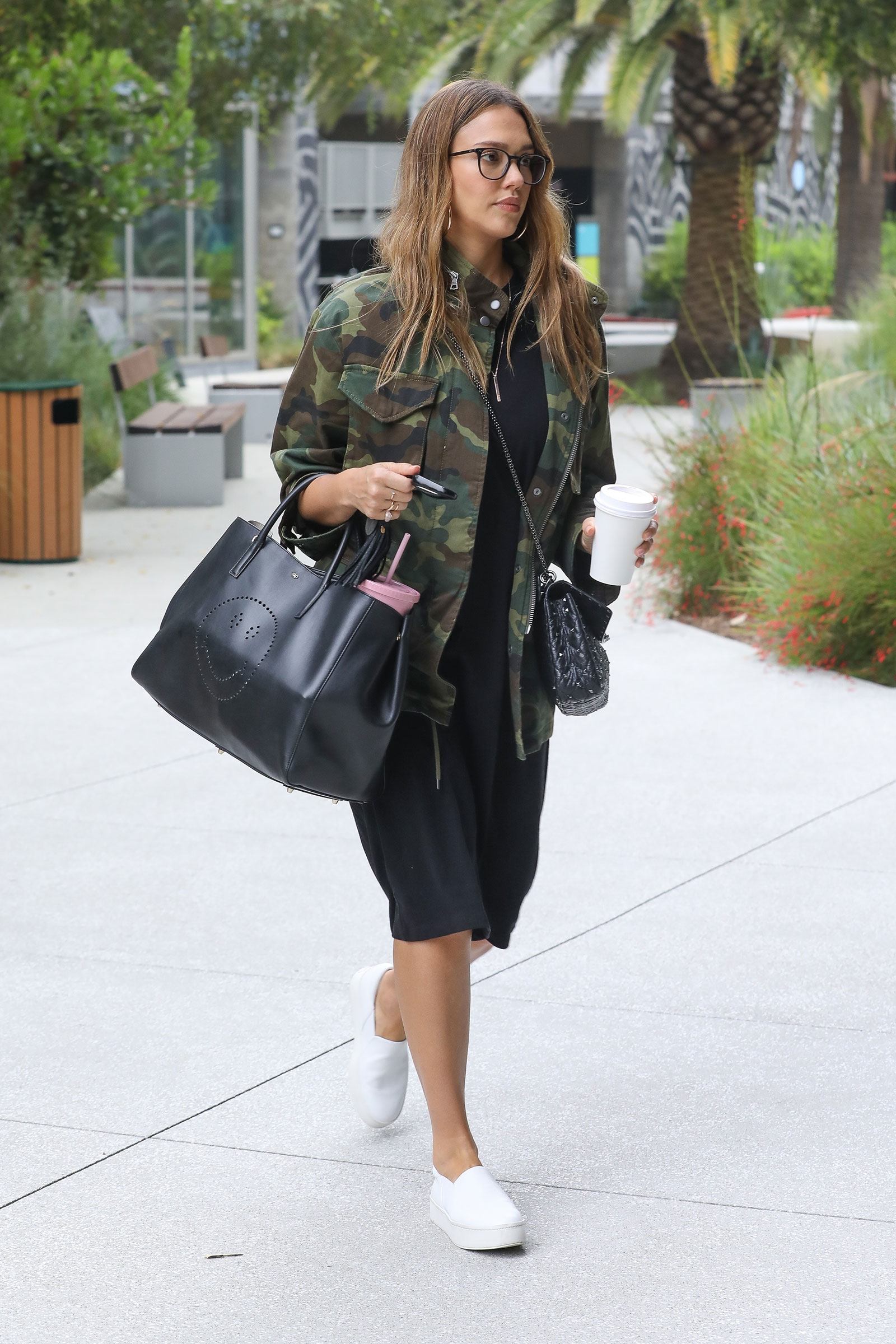 Jessica Alba The Budget Babe Affordable Fashion Style Blog