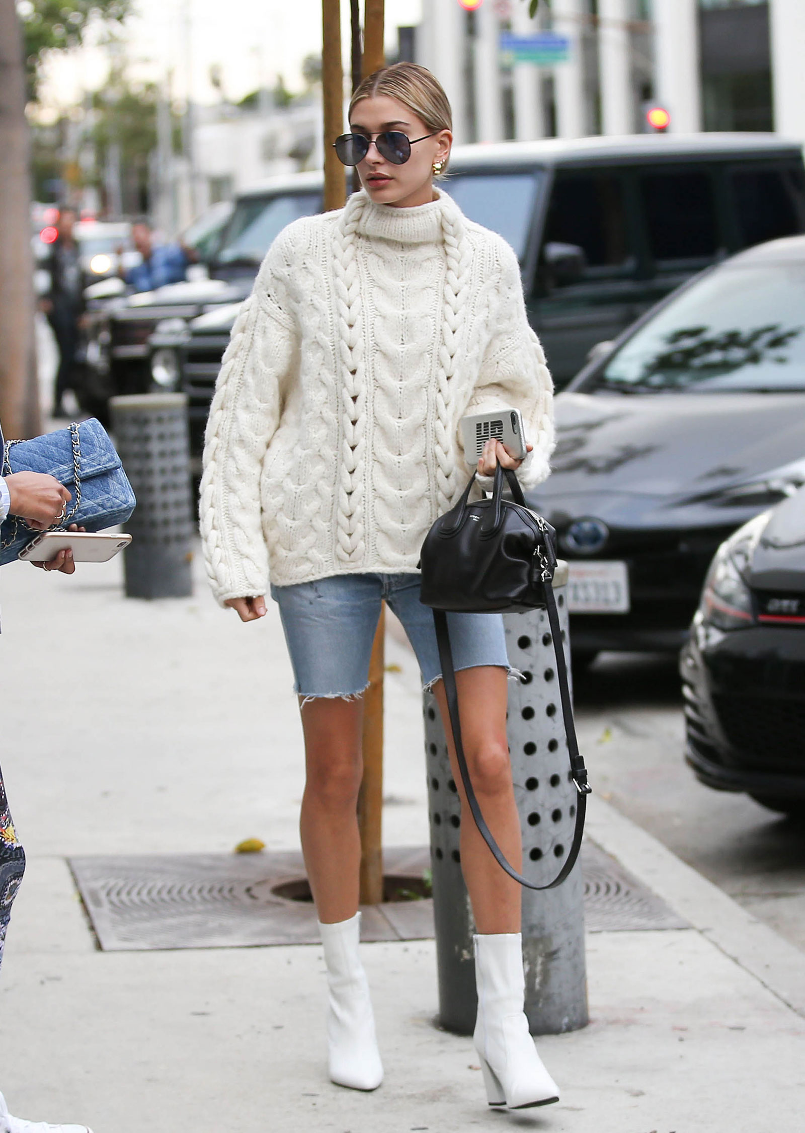 Hailey Baldwin S Oversized Sweater And White Ankle Boots