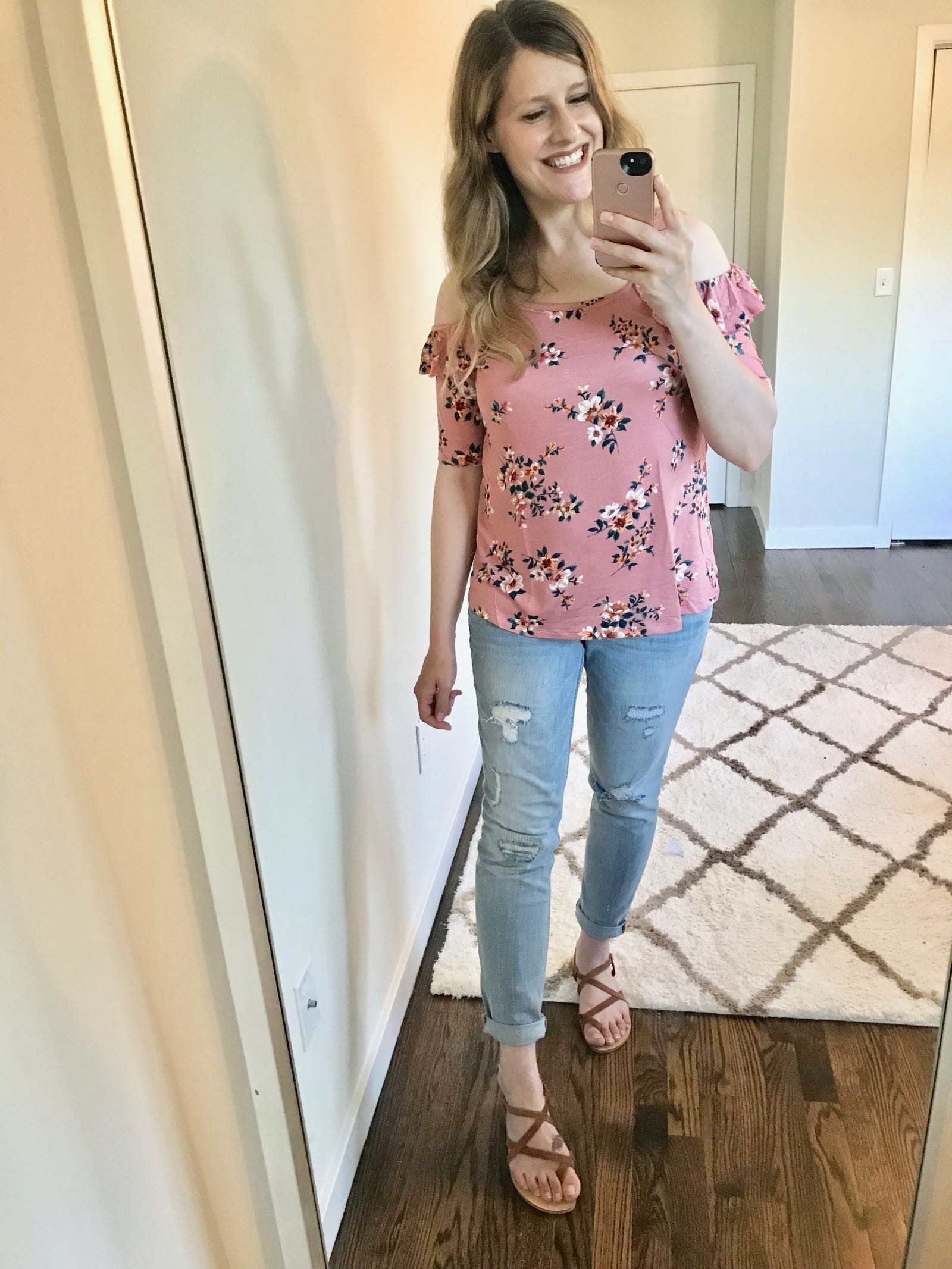 26fcfcdb9f2ce The Cutest Bump & Nursing Friendly Tops and Dresses for Summer - The ...