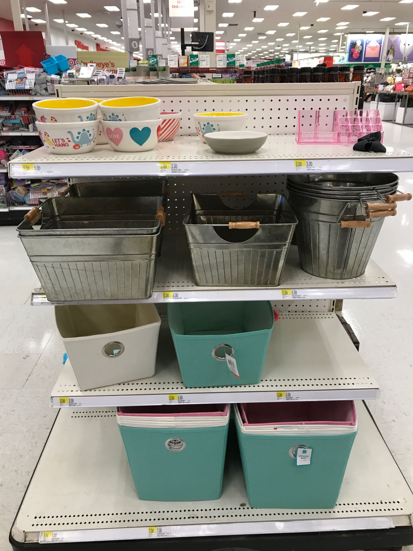 This blogger shares Target dollar post finds!