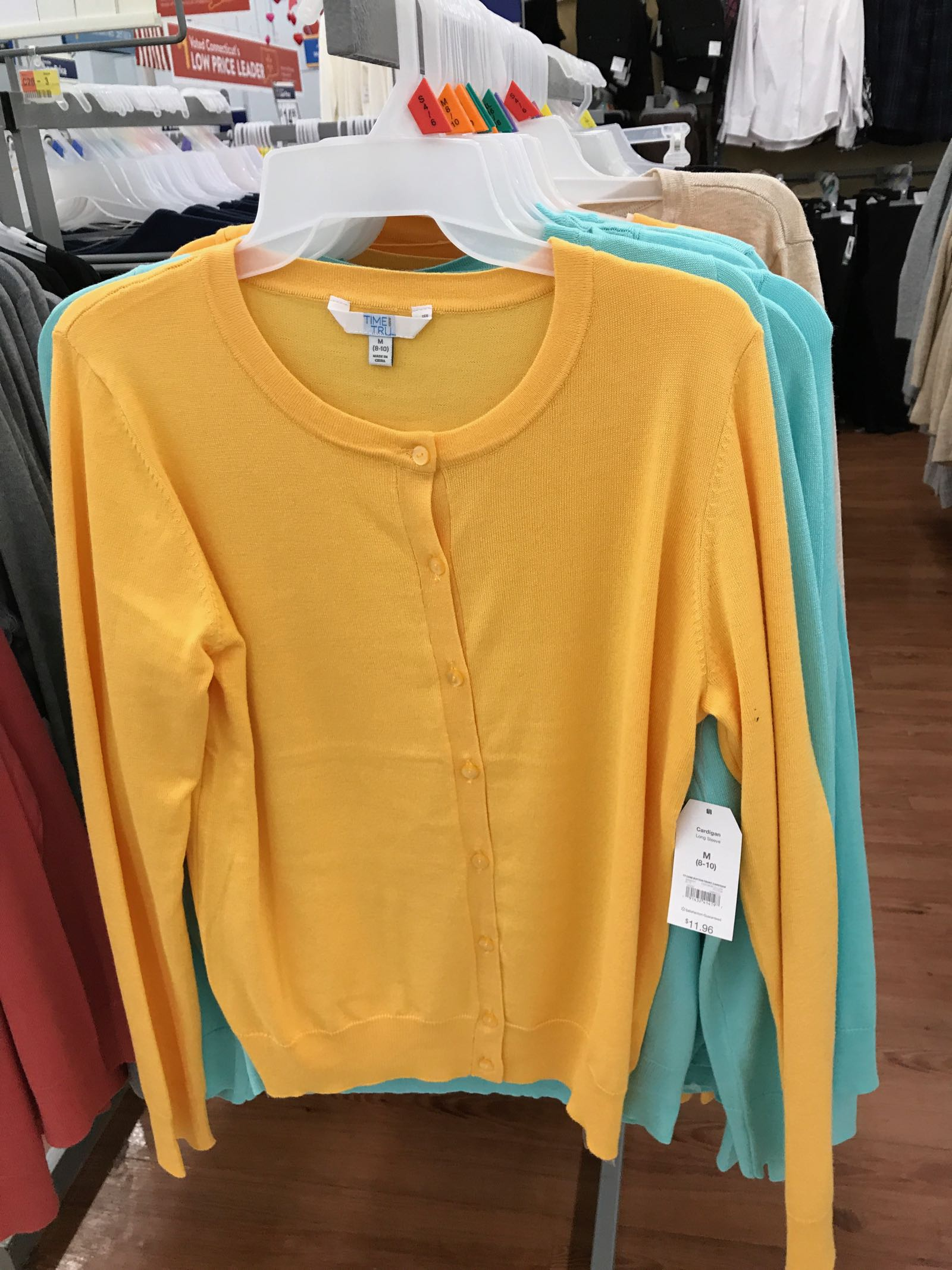 This blogger finds the cutest Walmart clothes!