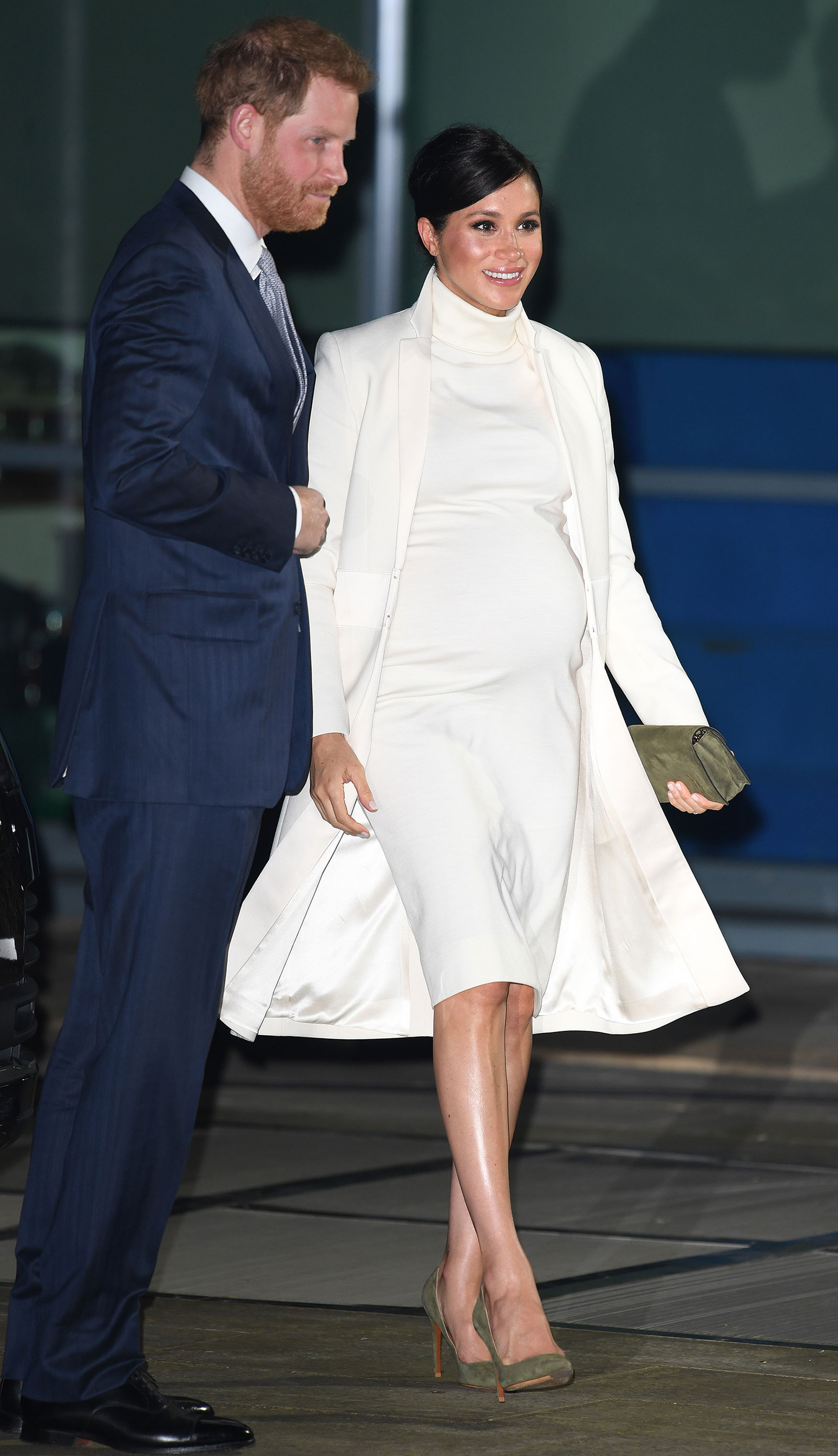 Meghan Markle s White Turtleneck Dress Look for Less - The Budget ... c38fa65c58a5