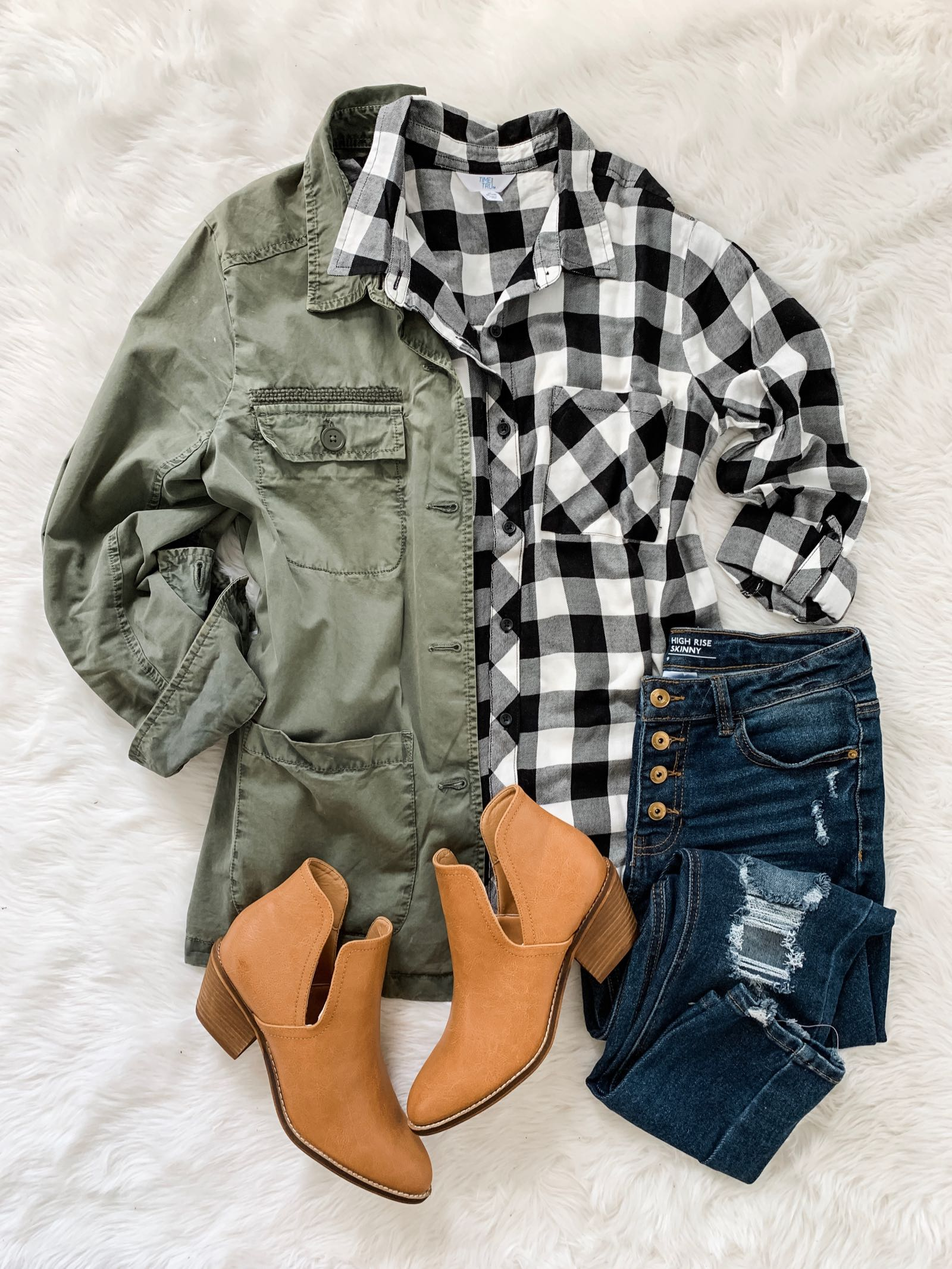 Fall outfit idea with field jacket, buffalo check plaid and ankle booties