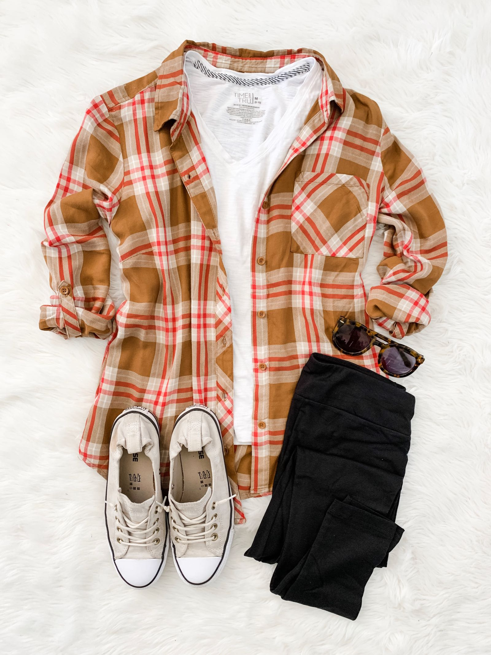 Fall plaid and Converse Shoreline sneakers outfit idea