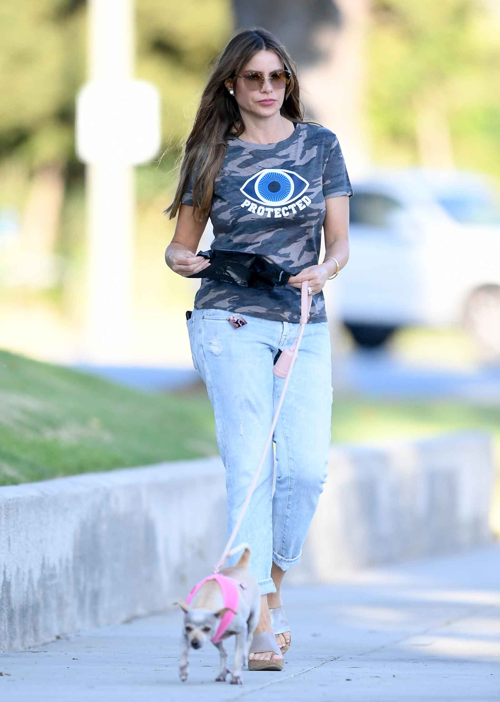 Sofia Vergara's evil eye camo tee is just $15 at Walmart!