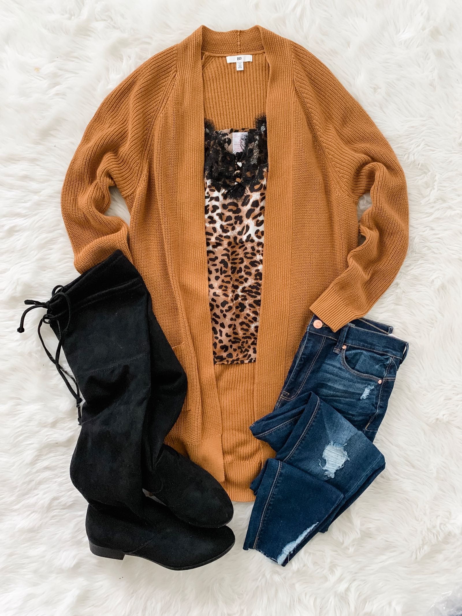 Fall outfit idea on a budget // The Budget Babe Fashion Blog