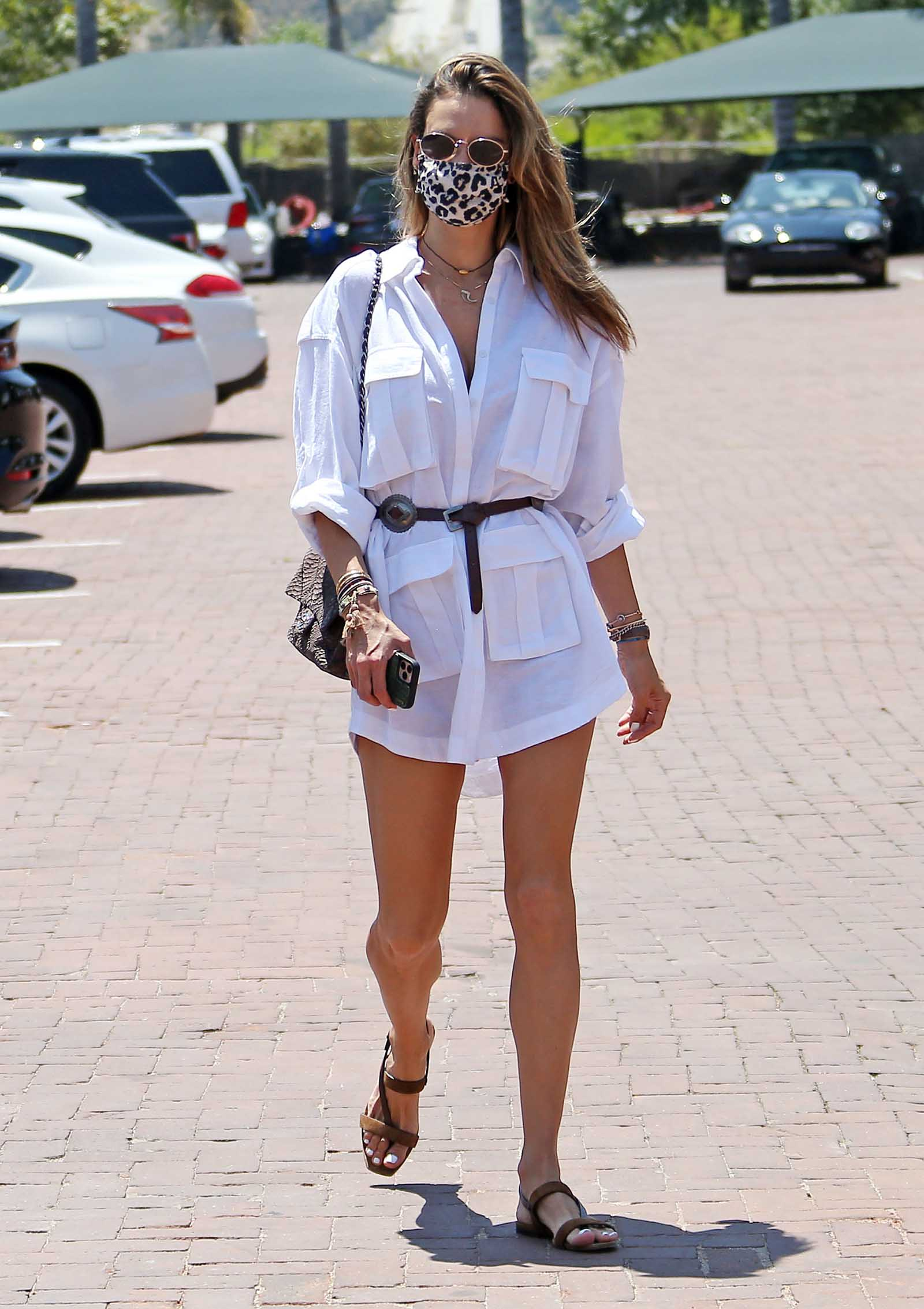 Love this sexy-chic shirt dress!