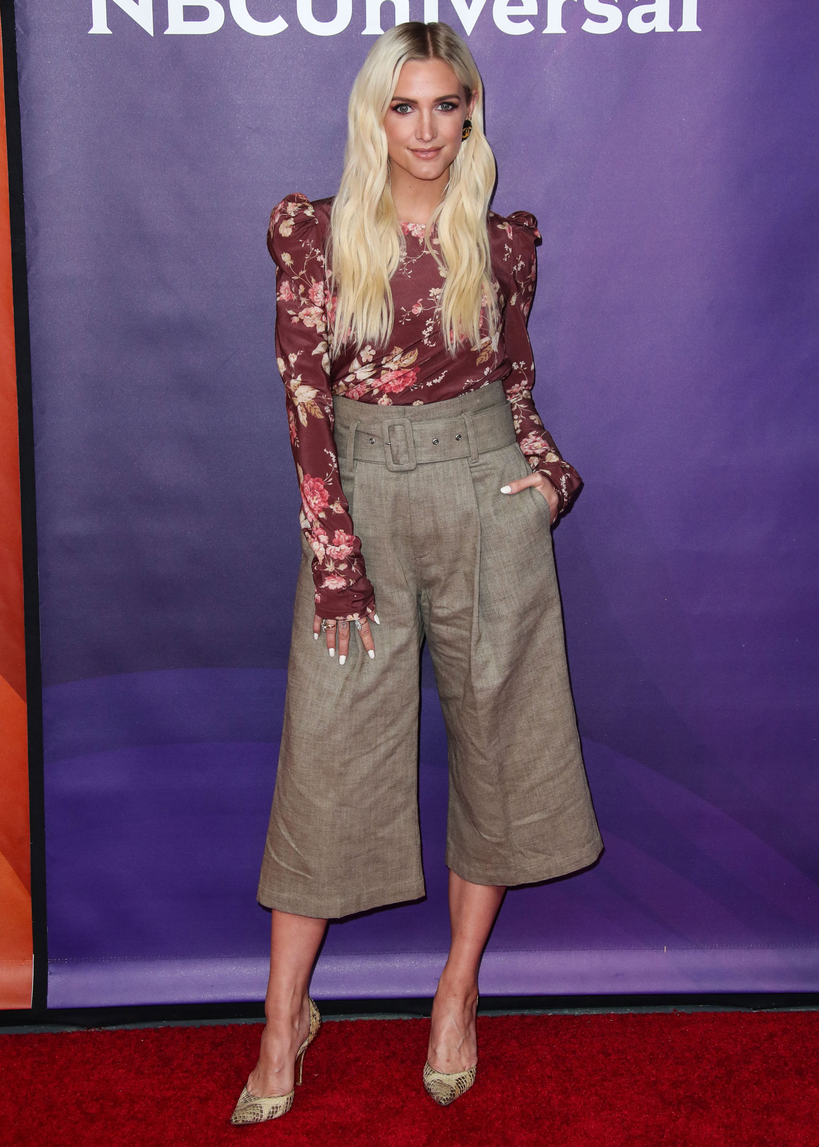 Ashlee Simpson Red Floral Blouse and Wide Leg Cropped Pants