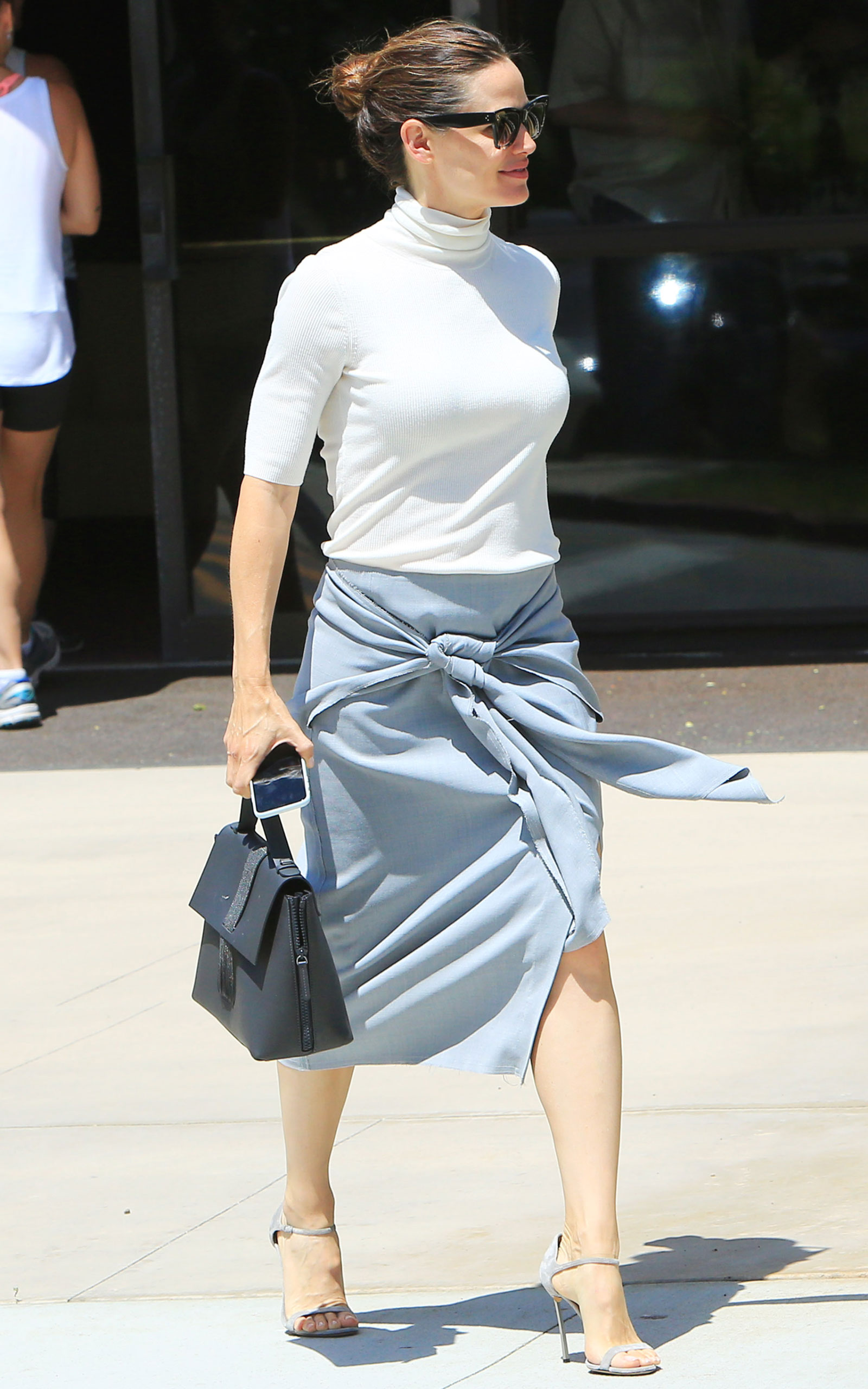 Jennifer Garner Turtleneck and Tie Front Skirt