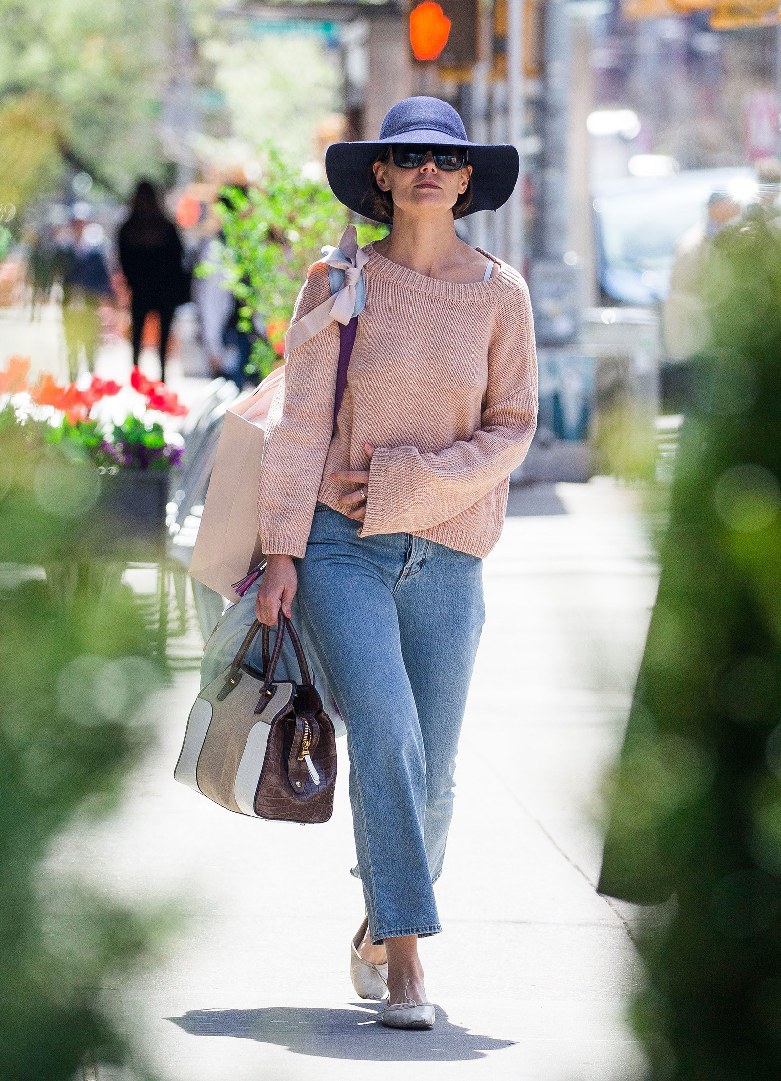 Katie Holmes Floppy Hat and Bell Sleeve Sweater